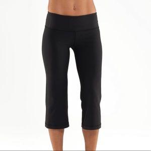 LULULEMON Groove Cropped Pants Capris Black Sz 2